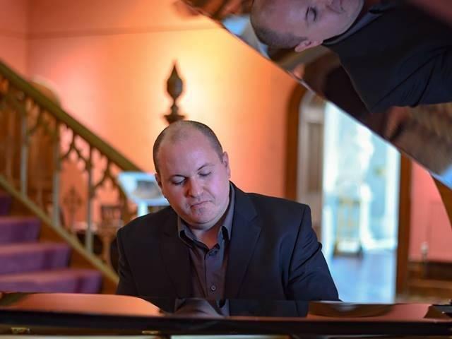 Tristian Evans – pianist